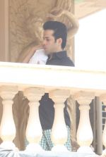 Tusshar Kapoor with his kid snapped in Mumbai on 5th Sept 2016 (10)_57ce6a33a44ec.JPG