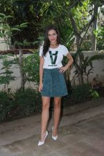 Amy Jackson at Freaky Ali promotions in Mumbai on 6th Sept 2016 (33)_57cfb65cebca0.JPG