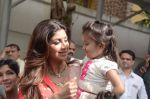 Shilpa Shetty Ganpati visarjan on 6th Sept 2016 (15)_57cfb8149bf81.JPG