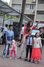 Shilpa Shetty Ganpati visarjan on 6th Sept 2016 (163)_57cfb8dfde8d9.JPG