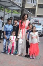 Shilpa Shetty Ganpati visarjan on 6th Sept 2016 (22)_57cfb823049c4.JPG