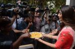 Shilpa Shetty Ganpati visarjan on 6th Sept 2016 (46)_57cfb7dfc116a.JPG