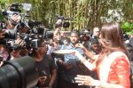 Shilpa Shetty Ganpati visarjan on 6th Sept 2016 (71)_57cfb810e7060.JPG