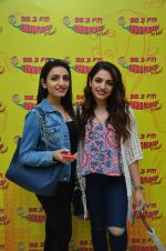 Sukriti Kakkar and Prakriti Kakkar at Radio Mirchi on 6th Sept 2016 (1)_57cfb9bcccc53.JPG