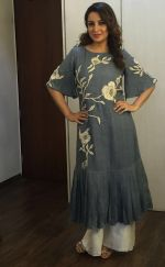 Tisca Chopra unveiling a metro train , here she_s seen wearing an outfit from Myoho by Kiran and Meghna on 6th Sept 2016 (3)_57cf99391223f.JPG