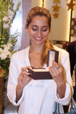 Anusha Dandekar during the launch of India_s first customized gold coin store IBJA Gold, in Mumbai on 7th Sept 2016 (8)_57d10f3622657.JPG