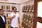 Gurmeet Chaudhary during the launch of India_s first customized gold coin store IBJA Gold, in Mumbai on 7th Sept 2016 (72)_57d10f67ac12e.JPG