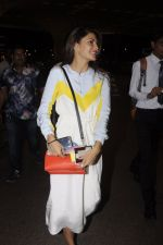 Jacqueline Fernandez snapped at airport on 7th Sept 2016 (1)_57d11005a3f8b.JPG