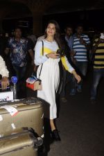 Jacqueline Fernandez snapped at airport on 7th Sept 2016 (10)_57d110188f704.JPG