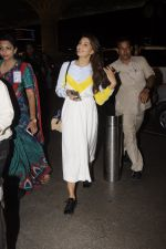 Jacqueline Fernandez snapped at airport on 7th Sept 2016 (6)_57d1100c29cd7.JPG