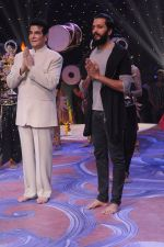 Jeetendra, Ritesh Deshmukh promote Banjo on the sets of Kumkum Bhagya on 7th Sept 2016 (171)_57d10c56759cd.JPG