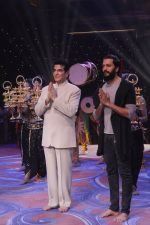 Jeetendra, Ritesh Deshmukh promote Banjo on the sets of Kumkum Bhagya on 7th Sept 2016 (172)_57d10bc4a0e78.JPG