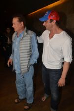Salim Khan, Sohail Khan at Freaky Ali screening on 7th Sept 2016 (57)_57d10e3a32498.JPG