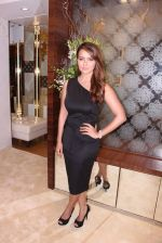 Sana Khan during the launch of India_s first customized gold coin store IBJA Gold, in Mumbai on 7th Sept 2016 (61)_57d10fc2bed47.JPG