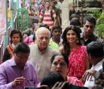 Shilpa Shetty Visit At Chinchpokli Cha Chintamani on 7th Sept 2016 (2)_57d101c8bca64.jpg