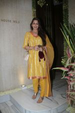 Sonali Bendre at Manish Malhotra_s house on 6th Sept 2016 (12)_57d1008094d2d.jpg
