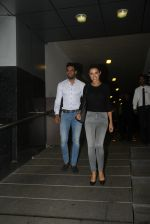 Upen Patel and Amy Jackson snapped on a dinner date at Hakassan on 7th Sept 2016 (2)_57d11061ec533.JPG