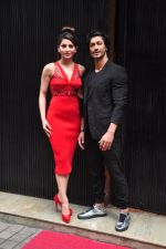 Urvashi Rautela, Vidyut Jamwal during the launch of song Gal Ban Gayi in Mumbai on 7th Sept 2016 (48)_57d11eca5a6af.JPG