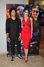 Urvashi Rautela, Vidyut Jamwal during the launch of song Gal Ban Gayi in Mumbai on 7th Sept 2016 (51)_57d11f973f706.JPG