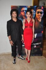 Urvashi Rautela, Vidyut Jamwal during the launch of song Gal Ban Gayi in Mumbai on 7th Sept 2016 (54)_57d11ed682bd3.JPG