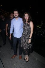 Dia Mirza at Raj Kundra_s birthday in The Korner House on 8th Sept 2016 (256)_57d2954600955.JPG