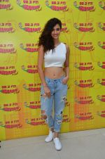Disha Patani at MS Dhoni promotions in Radio Mirchi on 8th Sept 2016 (22)_57d29325d7223.JPG