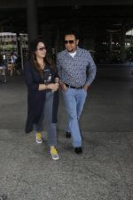 Gulshan Grover snapped at airport on 8th Sept 2016 (12)_57d290d087bc7.JPG