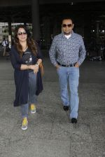 Gulshan Grover snapped at airport on 8th Sept 2016 (13)_57d290d2b7fe3.JPG