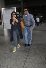 Gulshan Grover snapped at airport on 8th Sept 2016 (14)_57d290d4ac4b4.JPG
