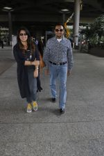 Gulshan Grover snapped at airport on 8th Sept 2016 (16)_57d290d8493eb.JPG