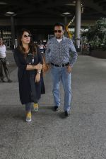 Gulshan Grover snapped at airport on 8th Sept 2016 (17)_57d290db26075.JPG