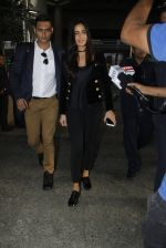 Katrina Kaif snapped at airport on 8th Sept 2016 (28)_57d290f2c460d.JPG