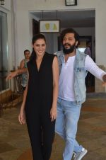 Nargis Fakhri and Riteish Deshmukh snapped for Banjo promotions in Mumbai on 8th Sept 2016 (5)_57d26429ed578.JPG