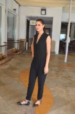 Nargis Fakhri snapped for Banjo promotions in Mumbai on 8th Sept 2016 (46)_57d291a8f415e.JPG