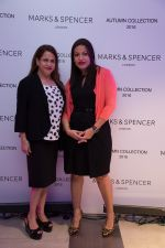 Ramola Bachan, Thenny Mejia at the Autumn 16 launch at DLF Mall of India_57d2a02d40551.jpg