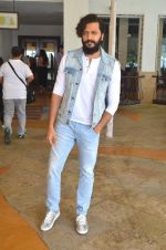 Riteish Deshmukh snapped for Banjo promotions in Mumbai on 8th Sept 2016 (35)_57d291eb000bf.JPG
