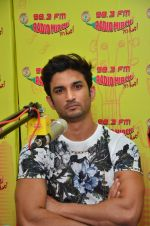 Sushant Singh Rajput at MS Dhoni promotions in Radio Mirchi on 8th Sept 2016 (8)_57d29389d9b13.JPG