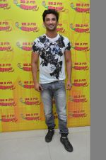Sushant Singh Rajput at MS Dhoni promotions in Radio Mirchi on 8th Sept 2016 (9)_57d2938d9f242.JPG