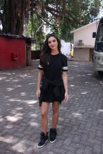 Amy Jackson snapped in Mumbai on 9th Sept 2016 (4)_57d4161c0b380.JPG