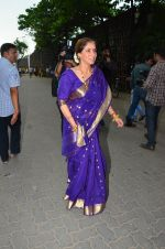 Dimple Kapadia Ganpati Visarjan on 9th Sept 2016 (9)_57d40c626c687.JPG