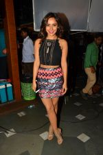 Neha Sharma at Tum Bin 2 On Location on 9th Sept 2016 (42)_57d41d91307f0.JPG