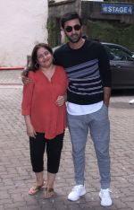 Ranbir Kapoor snapped on 9th Sept 2016 (3)_57d4163d40bcf.JPG