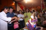 Rishi Kapoor Ganpati Visarjan on 9th Sept 2016 (12)_57d41716771c0.JPG