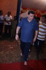 Rishi Kapoor Ganpati Visarjan on 9th Sept 2016 (49)_57d4172acce5e.JPG