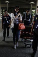 Sonal Chauhan snapped at airport on 9th Sept 2016 (18)_57d415f921af4.JPG