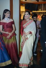 Sonam Kapoor during the launch of the first Indian Bridal Fashion Week Wedding Store, in New Delhi on 9th Sept 2016 (14)_57d4177f86905.jpg