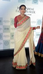 Sonam Kapoor during the launch of the first Indian Bridal Fashion Week Wedding Store, in New Delhi on 9th Sept 2016 (23)_57d41786d2881.jpg