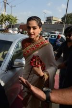 Sonam Kapoor during the launch of the first Indian Bridal Fashion Week Wedding Store, in New Delhi on 9th Sept 2016 (5)_57d417798efc9.jpg
