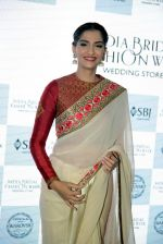 Sonam Kapoor during the launch of the first Indian Bridal Fashion Week Wedding Store, in New Delhi on 9th Sept 2016 (26)_57d417d21f98c.jpg