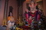 Sophie Choudry at Ganpati mandal on 9th Sept 2016 (44)_57d417f7eda13.JPG
